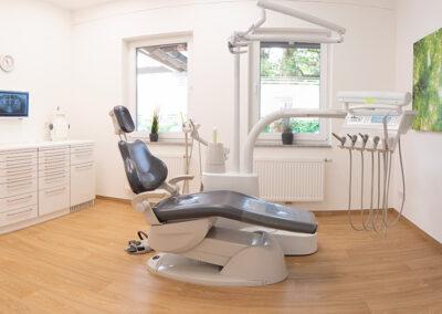 Behandlungszimmer in der Zahnarztpraxis in Töging